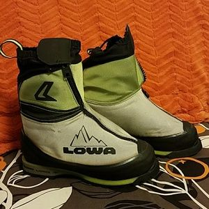 Lowa Garwahl insulated mountaineering boots